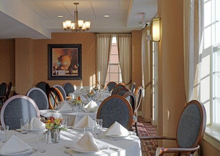 Bentley_Commons_at_Keene_Pub_Dining_Room
